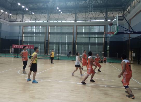 盛翔监理篮球队与安宁蓝焰燃气有限公司举行篮球友谊赛